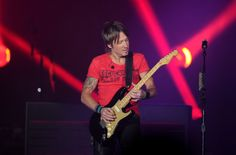 Photos: Calgary Stampede 2014 concerts – Reba, Keith Urban, Paul Brandt   Metro