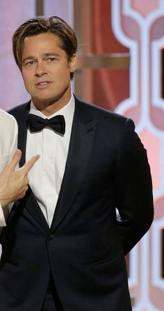 NEWS&TRENDS 11.1.2016 MEN of GOLDEN GLOBE....Brad Pitt