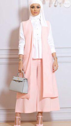 Modern Hijab Fashion, Hijab Fashion Inspiration, Abaya Fashion, Modest Fashion, Fashion Dresses, Fashion Muslimah, Iranian Women Fashion, Islamic Fashion, Muslim Fashion