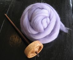 Spinning Yarn: Yarn has been spun on spindles for thousands of years. With a little fiber and a spindle, you too can participate in this oldest of alchemies. This instructable will show you how to spin a single from wool roving, using a top-whorl spindle. Spinning Wool, Hand Spinning, Knitting Stitches, Knitting Patterns, Cross Stitches, Loom Patterns, Yarn Crafts, Sewing Crafts, Drop Spindle