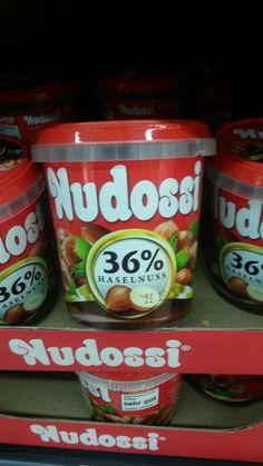 Nutella gab es nicht, dafür aber Nudossi. Nudossi ist der Markenname einer Nuss-Nougat-Creme des Herstellers Sächsische und Dresdner Back- und Süßwaren.