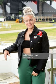 Anne-Marie attends the Barclaycard Presents British Summer Time Media Day at Hyde Park on June 2017 in London, England. Get premium, high resolution news photos at Getty Images Female Celebrity Crush, Celebrity Style, Anne Marie Album, Hollywood Celebrities, Female Celebrities, Anne Maria, Famous Pictures, British Summer, Musica