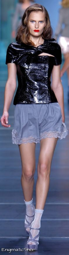 Christian Dior Spring Summer 2010 Ready-To-Wear