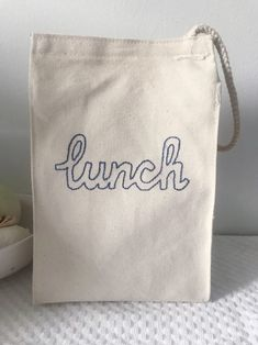 This $7 Lunch Tote Is The Grown-Up Brown Paper Alternative You've Been Waiting For