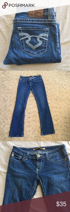 """Big Star Remy Low Rise Boot Cut Jeans marked size 28L, but inseam measures 31"""" inseam, 8"""" rise, 16"""" waist .98% cotton, 2% spandex. EUC Big Star Jeans Boot Cut"""