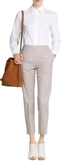 Von 9-to-5, bei der Vernissage oder beim Lunch-Date - die weiße Bluse aus Baumwollpopeline von Maison Martin Margiela ist ein zeitloser Klassiker #Stylebop