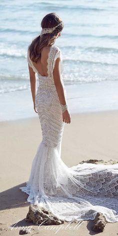 Anna Campbell Vintage Wedding Dress / http://www.himisspuff.com/vintage-wedding-dresses-you-will-love/2/