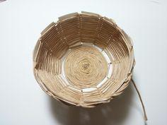 종이끈 바구니 / 초간단 바구니만들기 / 지끈공예 : 네이버 블로그 Rope Crafts, Diy Crafts Hacks, Diy Crafts For Kids, Craft Ideas, Snowflakes Art, Paper Goods, Handicraft, Tricks, Decorative Bowls