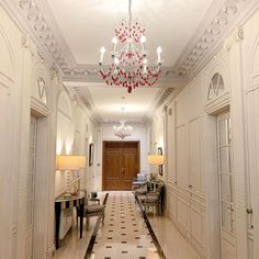 [Corridor] ✨ - Authentic luxury residence • [Couloir] ✨ - Véritable résidence de luxe • #enjoymajesticdays #ThePreferredLife  • #hotelmajesticandspaparis #leshotelsbaverez #cityoflights #paris #hotellovers #travel #traveltheworld #parisluxurylifestyle #parisianlife #parisjetaime #visitparis #livethefrenchway #hotellife #traveltheworld Hotel Majestic, Spa Paris, Stones Throw, Treatment Rooms, Steam Room, Workout Rooms, Corridor, Swimming Pools, Luxury