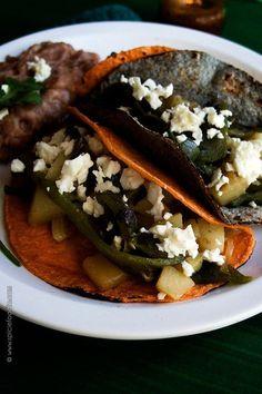 Potato and Poblano Tacos Vegetarian Mexican Recipes, Vegetarian Recepies, Vegetarian Tacos, Vegan Tacos, Mexican Cooking, Meatless Recipes, Vegan Meals, Vegetable Recipes, Carnitas
