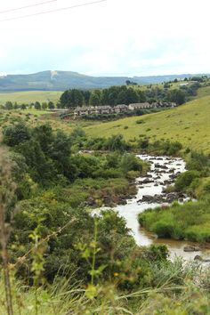 Can you spot Granny Mouse Country House? Natural beauty abounds along the Midlands Meander. See: www.midlandsmeander.co.za South Afrika, Africa Style, Kwazulu Natal, Photography Projects, Beautiful Places To Visit, Natural Beauty, Tourism, Wedding Venues, Beautiful Pictures
