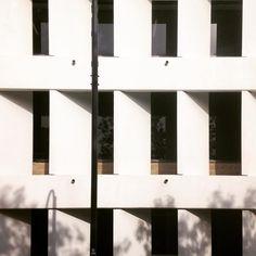 Back side-ler... Back of a Seidler building #Seidler #architecture #design #glenwaverley #civicbuilding #architecturevictoria by supertectonics