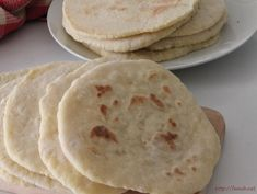 Pain plat à la poêle Hummus, Bread, Ethnic Recipes, Blog, Pains, Brioche, Cooker Recipes, Food, Pastries