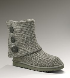 Knit Ugg...I'm wondering if I could figure out how to make these.