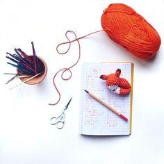 Crocheted amigurumi fox pattern using a hook Crochet Fox, Love Crochet, Crochet For Kids, Crochet Animals, Diy Crochet, Crochet Crafts, Crochet Dolls, Yarn Crafts, Crochet Projects
