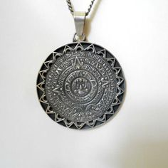 Huge Mexican Sterling Silver 925 Mayan Calendar Pendant Necklace TRM Rancho Alegre Eagle Mark 3 Vintage Signs, Vintage Items, Name Necklace, Pendant Necklace, Bold Prints, Vintage Brooches, Antique Silver, Calendar, Eagle