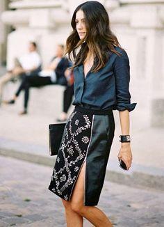 Vanessa Jackman: Paris Fashion Week SS DIrector Leila Yavari so in love with this skirt Looks Street Style, Looks Style, Leila Yavari, Outfit Trends, Mode Inspiration, Fashion Inspiration, Work Fashion, Style Fashion, Trendy Fashion