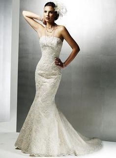 Just love this~Google Image Result for http://www.smartbrideboutique.com/media/user_images/Wedding_Dress_2___t_w300_h400.jpg