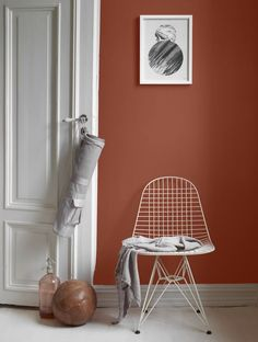 The terracotta color, a timeless trend for your home design. For some time now, beautiful terracotta interiors are under the spotlight and it isn't about to stop ! Why do we love so much terracotta ? Warm, rich and elegant … Room Colors, Wall Colors, Paint Colors, Color Inspiration, Interior Inspiration, Jotun Lady, Color Terracota, Interior Paint, Interior Design