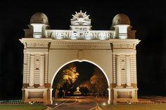 City of Ballarat - Arch of Victory - Avenue of Honour Travel Deals, Travel Guides, Top Destinations, Victorious, Taj Mahal, Greece, Arch, Tours, Victoria Australia