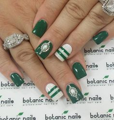 Darker shades of green would be the perfect color if you want a glamorous design…