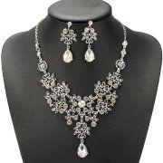#BridalCrystalRhinestone #DiamantJewelrySet #Fashion