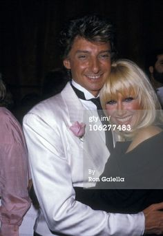 Barry Manilow and Suzanne Somers during Annual Singers Salute Song Writers Gala at Dorothy Chandler Pavillion in Los Angeles, California, United States. Get premium, high resolution news photos at Getty Images Suzanne Somers, Barry Manilow, Good Music, The Man, My Idol, Love Him, Take That, Memories, Singers