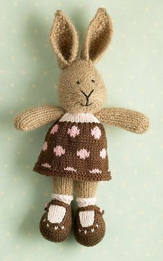 bunny goodness...i wonder if I could change the pattern to crochet instead!