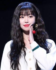 korean makeup – Hair and beauty tips, tricks and tutorials Kpop Girl Groups, Korean Girl Groups, Kpop Girls, Cool Girl, My Girl, Soo Jin, Fandoms, Soyeon, Entertainment
