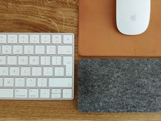 100% Wool Felt Dark Grey Wrist Rest is perfect for use while typing on your keyboard or laptop. Made with a bottom lining of 2mm natural cork, a soft wool felt centre and our 100% wool felt lining on top.