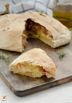 Focaccia stuffed without yeast with bacon and potatoes Recipe Impasto also Bimby Pizza Rustica, Antipasto, Recipe Today, Pizza Dough, Potato Recipes, Food Pictures, Finger Foods, Good Food, Food And Drink