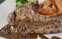 Πιπεράτες μπριζόλες με κρεμμύδια και κρασί - iCookGreek Steak, Oven, Pork, Cooking Recipes, Chicken, Kale Stir Fry, Chef Recipes, Steaks, Ovens