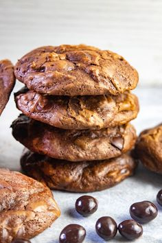 Double Chocolate Espresso Cookies Cookie Brownie Bars, Cookie Desserts, Just Desserts, Delicious Desserts, Dessert Recipes, Chocolate Covered Espresso Beans, Chocolate Espresso, Giada Recipes, Cooking Recipes