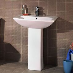 Friar Medium White Ceramic Bathroom One Tap Hole Basin Sink and Full Pedestal: Amazon.co.uk: DIY & Tools  £70