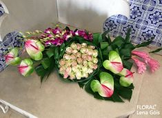 Floral Lena Góis: Festa da Leirosa 2017 Altar, Design Floral, Table Centers, Arte Floral, Easter Wreaths, Table Centerpieces, Flower Designs, Floral Arrangements, Diy And Crafts