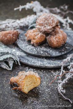 An Fasching gibt es Krapfen. Und zwar unbedingt! Heute in Form von Hefeteig-Krapfen, die in Zucker gewälzt wurden. Sooo gut! Unbedingt ausprobieren!