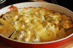 Zucchini potato casserole with garlic - BreakfastDiner - Greek Recipes, Meat Recipes, Mexican Food Recipes, Appetizer Recipes, Vegetarian Recipes, Chicken Recipes, Snack Recipes, Ethnic Recipes, Zucchini Pancakes