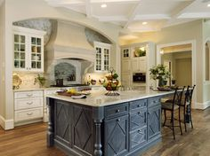 Traditional Kitchen Photos Gold Country French Design Ideas, Pictures, Remodel, and Decor - page 51