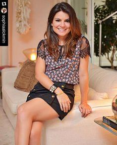 Sempre linda @sophiaalckmin com a nossa blusinha floral lace e saia botões! ❤️❤️❤️ #Repost @sophiaalckmin with @repostapp. ・・・ Adoro detalhes femininos  blusa estampadinha com manga de renda e saia de botões @uniquechicoficial