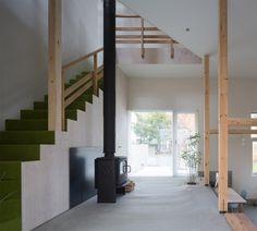#architecture : Akasaka Shinichiro uses timber framework for adaptable house