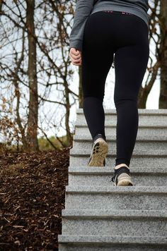 10 Gewohnheiten, die sportliche Menschen etabliert haben - Fitness Abnehmen Sport Diät Gesundheit - Squats, Greens & Proteins