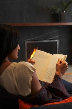 Bookworms can see some serious perks to their health and happiness. Want to really reap the benefits of reading?Reach for an old-fashioned, printed book.
