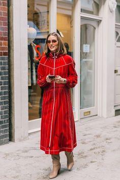 Olivia Palermo at London Fashion Week Estilo Olivia Palermo, Olivia Palermo Lookbook, Olivia Palermo Style, London Fashion Weeks, Nyfw Street Style, Street Style Looks, Alexa Chung, Streetwear, Vintage Street Fashion