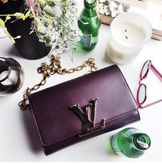Louis Vuitton ... Pls I beg u ... Give this to me ...