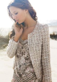 Love this look! I'm looking for a tweed jacket like this!
