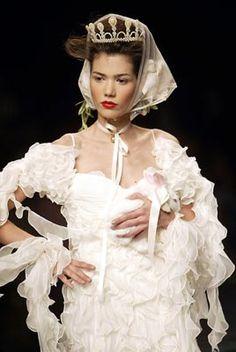 VICTORIO & LUCCHINO. The Princess Bride, Dresses, Fashion, Templates, Victorian Dresses, Fall Fashion, Spring Fashion, Couture, Walkway