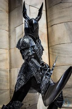 Dark Souls black knight made and worn by me at Dragon Con 2016 Photo taken by Singularity Photography Dark Souls Black Knight Fantasy Armor, Medieval Fantasy, Dark Fantasy, Fantasy Inspiration, Character Inspiration, Dark Souls 3, Dark Souls Armor Sets, Dark Creatures, Knight Art