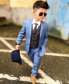 Engjiandy 🍀 —: - Me Fat Bajrami 😍 - Happy Eid 😍 Stylish Kids Fashion, Toddler Boy Fashion, Little Boy Fashion, Toddler Outfits, Fashion Kids, Boys Dressing Style, Boys Formal Wear, Formal Shirts, Kids Wear Boys