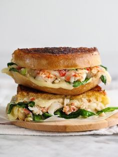 Cheese Sandwiches Recipes Grilled Cheese Sandwiches – Creative and Easy Recipe Ideas Cheese Sandwiches Recipes. Grilled cheese sandwiches are a classic and simple recipe, especially pleasant … Think Food, I Love Food, Good Food, Yummy Food, Yummy Lunch, Lobster Recipes, Seafood Recipes, Cooking Recipes, Cooking Tips