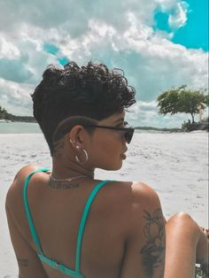 Short Shaved Hairstyles, Curly Pixie Haircuts, Curly Hair Cuts, Undercut Hairstyles, Curly Hair Styles, Big Chop Hairstyles, Boho Hairstyles, Natural Hair Short Cuts, Short Hair Cuts